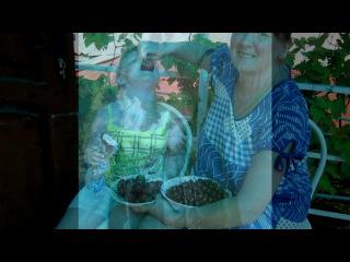 «мы» под музыку Песенка про двух подруг: маму  и дочку !))) - Такая песня смешная:)))). Picrolla