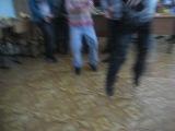 Танцуют просто класс а в конце умора я чуть не описалась