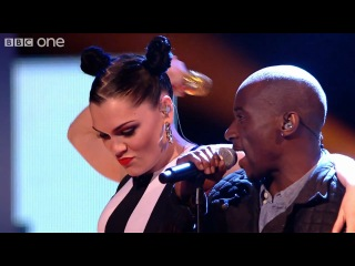 Jessie J and her team - We Are Young - The Voice UK