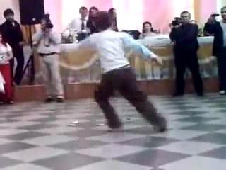 Маленький мальчик танцует лезгинку - Супер!!!