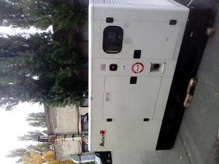 Работа дизель генератора под нашим ОФИСОМ(дабудет свет!)