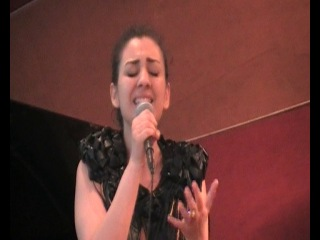 Лусине Кочарян ,Lusine Kocharyan(Океан Ельзи )-Обiйми мене!