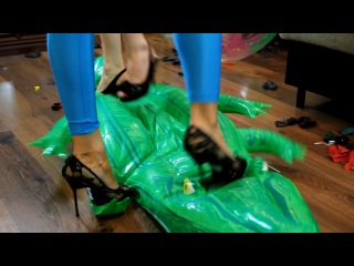 El+ai - pooltoys stomping and popping (trailer)
