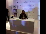 Фёрги на автограф-сессии в Macy's