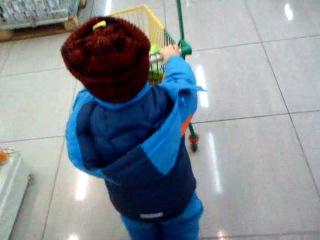 Мой сынок-маленький шопоголик)