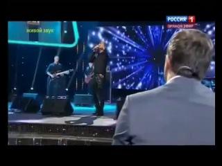 Шоу Хит Сергей Лазарев исполняет песню Александра Пенкина В самое сердце