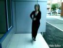 Русская девушка танцует лезгинкучетко