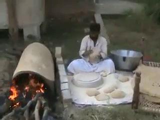 афганчик готовит