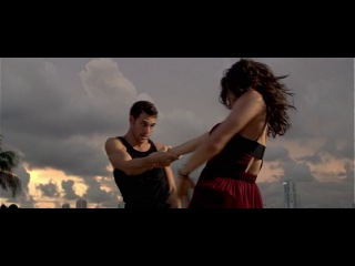 Шаг вперед 4 (Step Up Revolution) танец Шона и Эмили