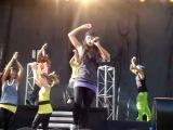 Vanessa Hudgens Concert - Sneakernight (Front Row)