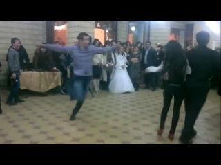 Vidmo_org_CHetkaya_Lezginka_Devushka_klassno_tancuet__1476240