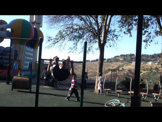 street workout in israel from the city safed2013l in the video:Ivan Bykov Стульчик на турнике вперед и назад.