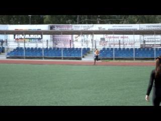 эстафета 4х200 метров бегут девушки на Золотой Осени 2013