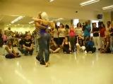 Удивительно прекрасный танец красивой попы (Бачата).mp4