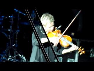 Светлана Сурганова - Интро (концерт в Питере в А2 17.11.2012)