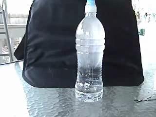 Одно из пяти неизвестных свойст воды