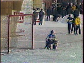 ХОККЕЙ С МЯЧОМ. Водник (Архангельск) - Волга (Ульяновск). 2000 г.