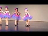Детский Танец! Смеялась до слез:)))) Та черняга так смешно тансует!