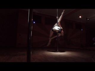 pole dance Darya Belova