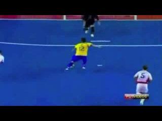 Сумасшедший гол Фалькао футзал мини-футбол futsal