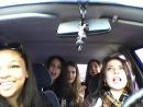 Смотрите как нужно водить машину, при этом отлично проводить время;))