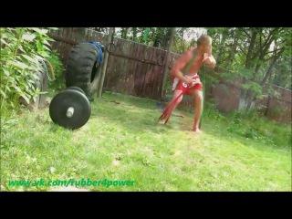 Смешанные единоборства: тренировка с резиной
