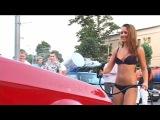 эротическая мойка машин в бикини