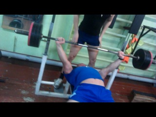 Жека Пермяков жмет 130 кг на 11 раз