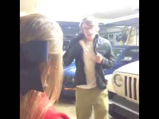 Talking to a pretty girl for the first time... (vine)