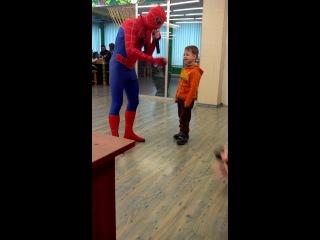 Человек паук и детки. детское день рождения (ДР)