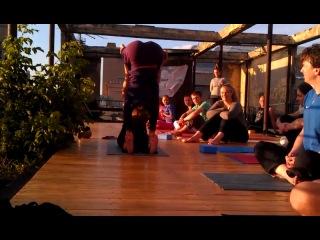 Йога на крыше с Юлией Шелковиной :)