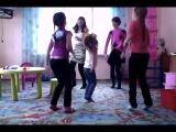 все девочки любят танцевать ))
