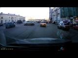 Обычная парковка по-московски, когда заметил свободное местечко.(Дрифт на Садовом кольце)