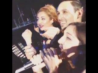 Beyonce чуть не уделала фанатка на концерте