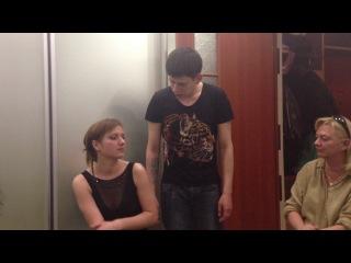 Илья поёт