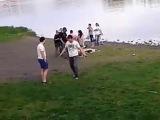 Драка Геи и Пьяные парни))))