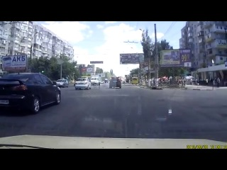 Горе-велосипедист в Херсоне ==Кормушка Уникальное Фото Видео Приколы Гифки ==