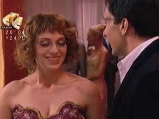 Кадры из сериала Не Родись Красивой. Разговор Кати и Андрея перед показом.