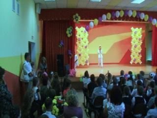 Тхэквондисты Арина, Вова и Илья на Выпускном вечере 4-х классов
