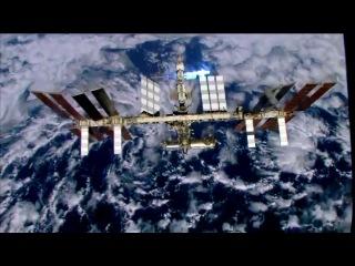 Канадский астронавт Крис Хэдфилд снял первый клип в космосе на песню Дэвида Боуи - Space Oddity.