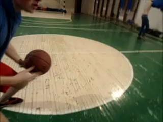 Имбер получает мячом в лицо ,на уроке физкультуры ,Ржака смотреть до конца !!!