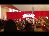 2013 - 2013 - поет с детским хором песню Deck The Halls, Торонто