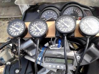 Синхронизация карбюраторов Kawasaki Zzr 400