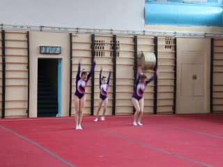 Спортивная акробатика, женская тройка Стаханов, Марина, Вика и Вика