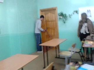 Отаковали бедную полячку))