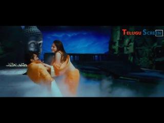 Ramcharan and tamanna vada vada vellaipuvve hot full song from Ragalai (Racha) tamil movie