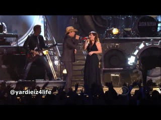 Kelly Clarkson ft. Jason Aldean - Don't You Wanna Stay (Live @ Grammy 2012)