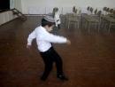 Туркменский танцор. Няшность зашкаливает. Всем смотреть.