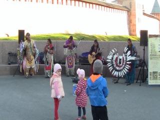 Индейцы уехали а их музыка ещё звучит.