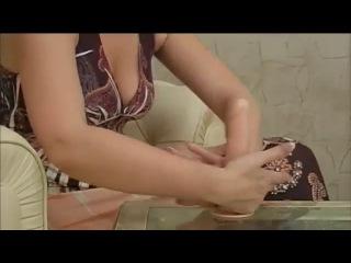 Целуются массаж полового члена ногами русского молодежного порно